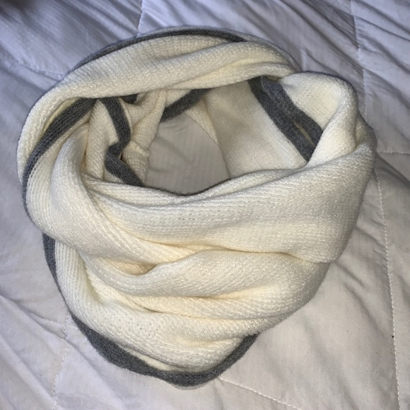 Accessories - Cream & Grey Infinity Winter Scarf